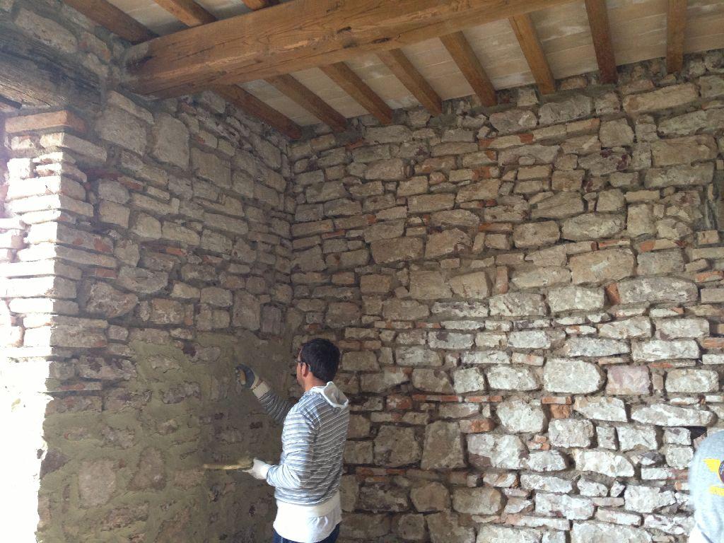 Umbria architecture riparazioni e modifiche title for Case in legno e pietra