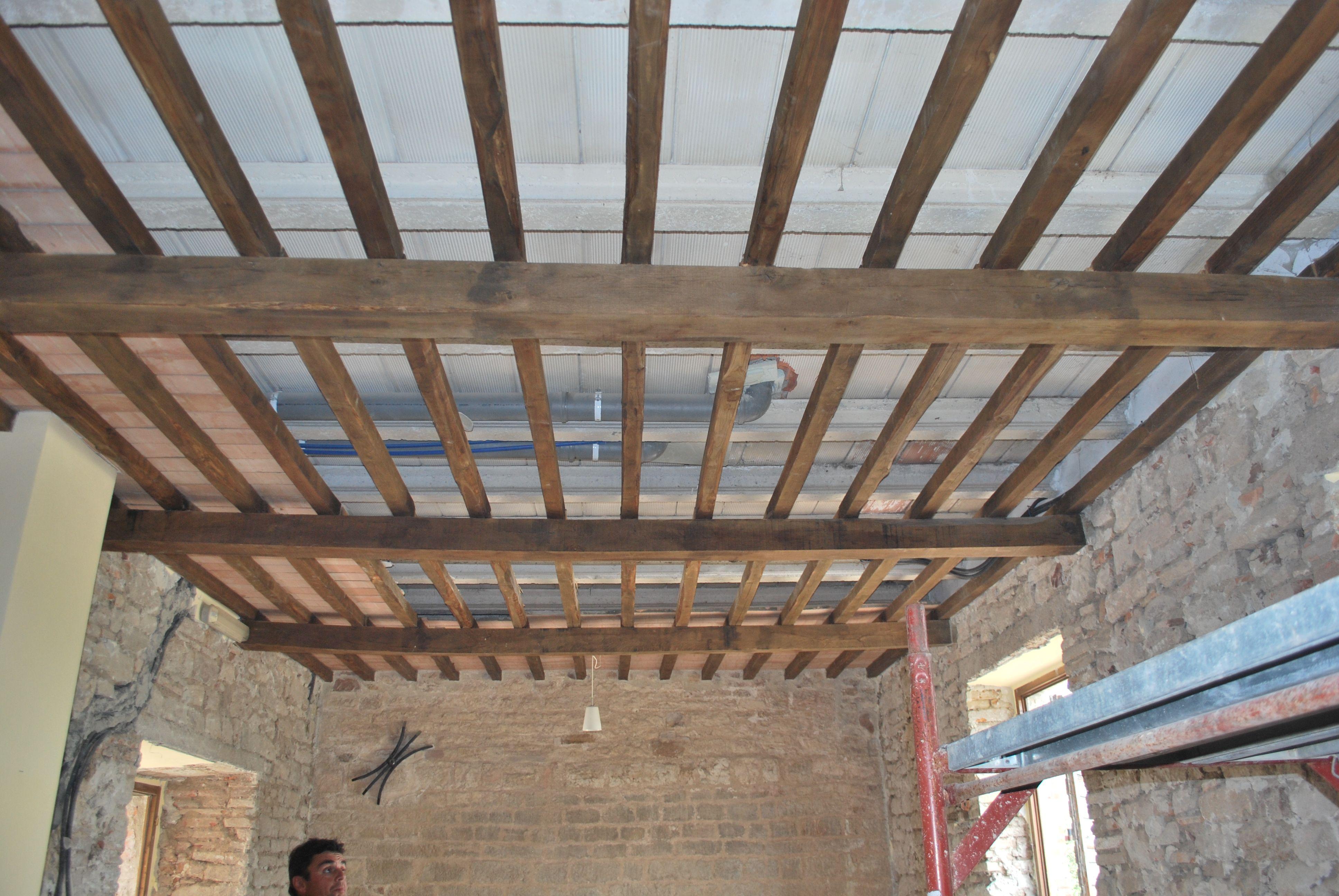 Umbria architecture ristrutturazione solai dettagli title for Controsoffitto in legno