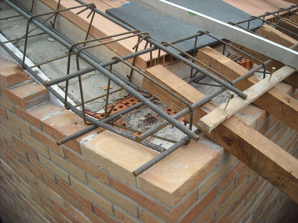 Cordolo in cemento armato tavolo consolle allungabile for Dettagli di incorniciatura del tetto di gambrel